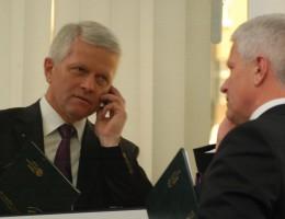 Posłowie chcą otwartego dostępu do usług online i zniesienia opłat roamingowych