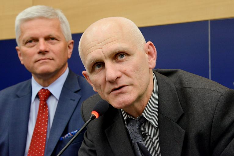 Andrzej GRZYB, Ales BIALIATSKI