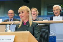 Zniesienie barier na unijnym rynku priorytetem Bieńkowskiej
