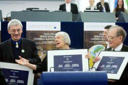 Memoriał: PE wzywa Rosję do zaprzestania represji