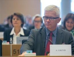 Dylematy Europejskiego Funduszu na rzecz Demokracji – refleksje sprawozdawcy PE