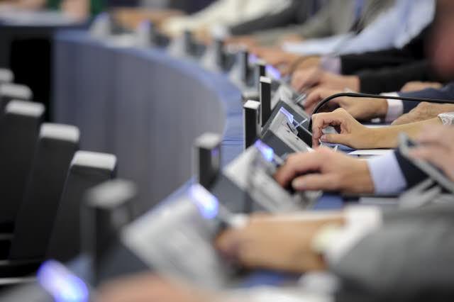 Glosowanie_podczas_sesji_plenarnej_w_Strasburgu