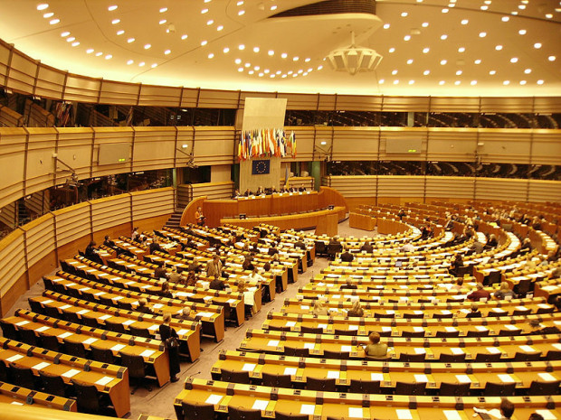 parlament-europejski-620x465