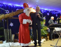 Mikołaj, prezenty i życzenia – Wigilia w Siedlikowie ZDJĘCIA