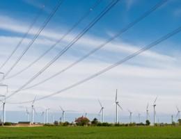 Dlaczego Polska powinna wejść na drogę transformacji energetycznej? – analiza w bisnesalert.pl
