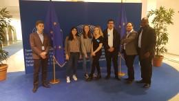 Studenci Europejskiego Stowarzyszenia ELSA w Parlamencie Europejskim w Brukseli