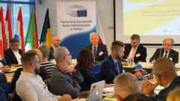 Tworzywa sztuczne w obiegu zamkniętym – debata EurActiv z udziałem Andrzeja Grzyba