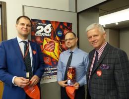 2 tysiące euro dla WOŚP – deputowani PO – PSL zagrali z Owsiakiem
