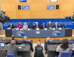 Europosłowie za likwidacją zmiany czasu w UE – konferencja prasowa w Strasburgu
