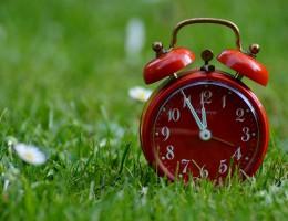 Parlament wzywa do przeprowadzenia oceny skutków zmiany czasu