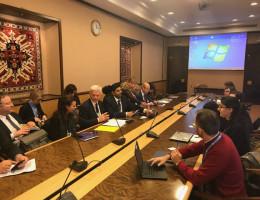 Walka o prawa człowieka i demokrację jest ważniejsza niż kiedykolwiek wcześniej, podkreśla delegacja DROI do UNHCR