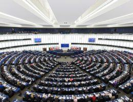 """""""Europa, która chroni"""" – Priorytety austriackiej prezydencji w Radzie Unii Europejskiej"""