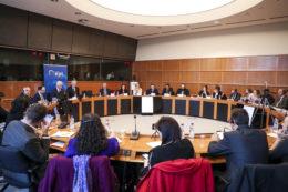 """""""Reakcja UE na kryzys wolności religijnej na świecie"""" – debata przy okrągłym stole w obronie chrześcijan i innych wyznań"""