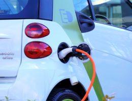 35% – cel redukcji emisji CO2 dla samochodów, dobry dla klimatu i miejsc pracy