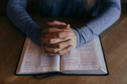 Europosłowie w obronie wolności religii i przekonań na świecie